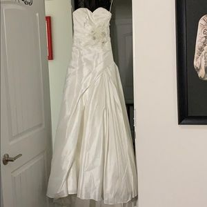 Maggie Sottero Couture Wedding 👰 Dress SZ 4